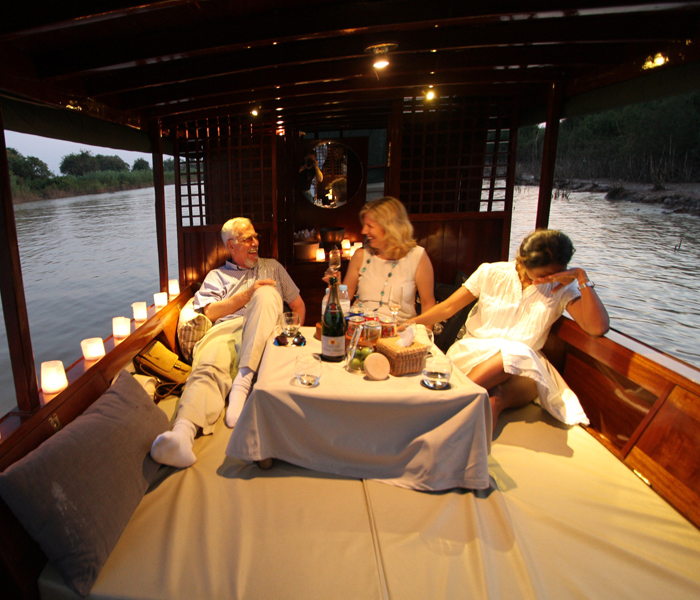 ella-boat-candlelit-sunset-drinks-tonle-sap